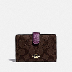 COACH F23553 Medium Corner Zip Wallet In Signature Canvas IM/BROWN METALLIC BERRY