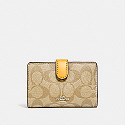 COACH F23553 - MEDIUM CORNER ZIP WALLET IN SIGNATURE CANVAS SILVER/LIGHT KHAKI/CANARY