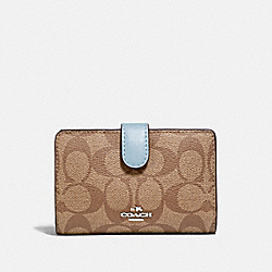 COACH F23553 Medium Corner Zip Wallet In Signature Canvas KHAKI/PALE BLUE/SILVER