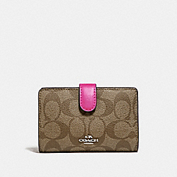 COACH F23553 Medium Corner Zip Wallet In Signature Canvas KHAKI/CERISE/SILVER