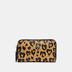 COACH F23624 Small Double Zip Coin Case With Wild Heart Print LIGHT GOLD/NATURAL MULTI
