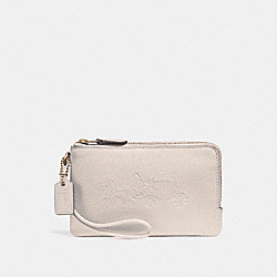 DOUBLE CORNER ZIP WRISTLET WITH EMBOSSED HORSE AND CARRIAGE - f23693 - IMITATION GOLD/CHALK