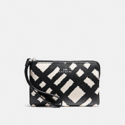 COACH F23715 Corner Zip Wristlet With Wild Plaid Print SVMRW