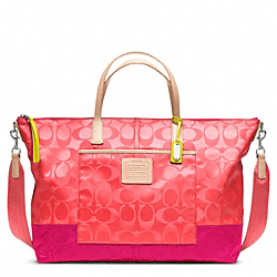 COACH F24866 - WEEKEND SIGNATURE COLORBLOCK NYLON WEEKENDER TOTE ONE-COLOR