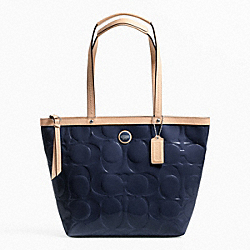 SIGNATURE STRIPE EMBOSSED PATENT TOTE - f25187 - SILVER/NAVY/TAN