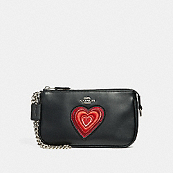 COACH F25890 Large Wristlet 19 With Heart Embroidery SILVER/BLACK