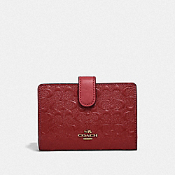 MEDIUM CORNER ZIP WALLET - f25937 - LIGHT GOLD/DARK RED