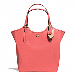 PEYTON LEATHER TOTE - f26103 - BRASS/CORAL