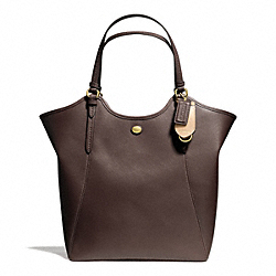 PEYTON LEATHER TOTE - f26103 - BRASS/MAHOGANY