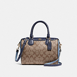 COACH MINI BENNETT SATCHEL IN COLORBLOCK SIGNATURE CANVAS - KHAKI/MIDNIGHT POOL/LIGHT GOLD - F26154