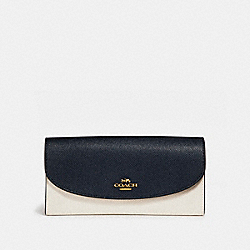 SLIM ENVELOPE WALLET IN COLORBLOCK - f26457 - MIDNIGHT/CHALK/Light Gold