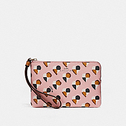 CORNER ZIP WRISTLET WITH CHECKER HEART PRINT - f26614 - SILVER/BLUSH MULTI