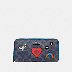 COACH F26784 Accordion Zip Wallet In Signature Canvas With Souvenir Embroidery SILVER/DENIM