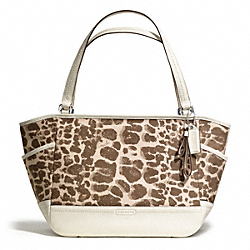 COACH F27353 - PARK GIRAFFE PRINT CARRIE TOTE ONE-COLOR