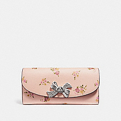 COACH F29448 Slim Envelope Wallet With Daisy Bundle Print LIGHT PINK MULTI/SILVER