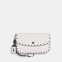 COACH F29765 Clutch With Rivets CHALK/BLACK COPPER