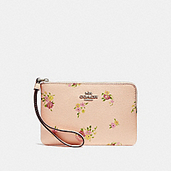 COACH F30140 Corner Zip Wristlet With Daisy Bundle Print LIGHT PINK MULTI/SILVER