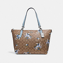 AVA TOTE IN SIGNATURE CANVAS WITH FLORAL BUNDLE PRINT - F30247 - KHAKI BLUE MULTI/SILVER