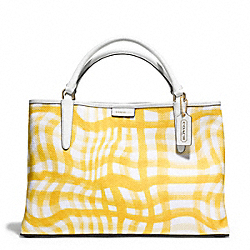 THE EAST/WEST TOWN TOTE IN PRINTED WAVY GINGHAM CANVAS - f30470 -  GOLD/SUNGLOW/WHITE