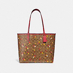 REVERSIBLE CITY TOTE IN SIGNATURE CANVAS WITH CHERRY PRINT - f31389 - KHAKI MULTI /light gold