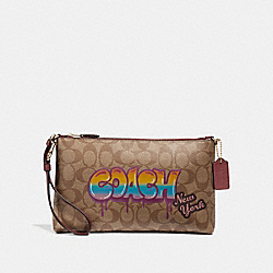 COACH F31615 - LARGE WRISTLET 25 IN SIGNATURE CANVAS WITH GRAFFITI KHAKI/LIGHT GOLD