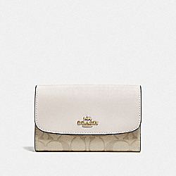 MEDIUM ENVELOPE WALLET IN SIGNATURE CANVAS - F32485 - LIGHT KHAKI/CHALK/IMITATION GOLD