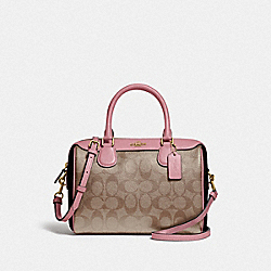 MINI BENNETT SATCHEL IN BLOCKED SIGNATURE CANVAS - F34279 - IM/KHAKI PINK PETAL