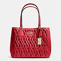 COACH F34564 Kitt Carryall In Gathered Leather  LIGHT GOLD/RED