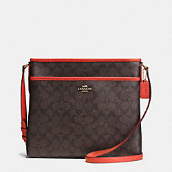 COACH F34938 - FILE BAG IN SIGNATURE  IMITATION GOLD/BROWN/CARMINE