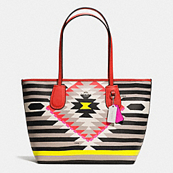 COACH F36361 - COACH TAXI ZIP TOP TOTE IN PRINTED CROSSGRAIN LEATHER SVE2M