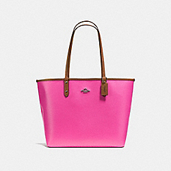 REVERSIBLE CITY TOTE IN COATED CANVAS - f36609 - BLACK ANTIQUE NICKEL/BRIGHT FUCHSIA
