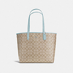 REVERSIBLE CITY TOTE IN SIGNATURE CANVAS - F36658 - LIGHT KHAKI/SEAFOAM/SILVER