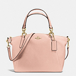 SMALL KELSEY SATCHEL IN PEBBLE LEATHER - f36675 - IMITATION GOLD/PEACH ROSE