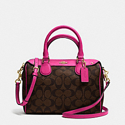 MINI BENNETT SATCHEL IN SIGNATURE - f36702 - IMITATION GOLD/BROWN/PINK RUBY