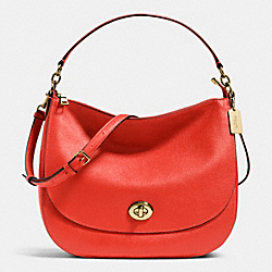 COACH F36762 Turnlock Hobo In Pebble Leather LIGHT GOLD/CARMINE