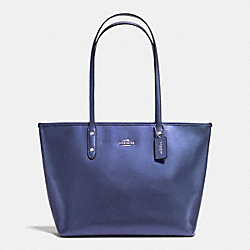 COACH F37153 - ZIP TOTE IN METALLIC CROSSGRAIN LEATHER SILVER/METALLIC PURPLE IRIS