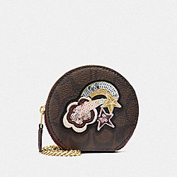 COACH F38635 Round Coin Case In Signature Canvas With Glitter Patch BROWN/METALLIC RASPBERRY MULTI/LIGHT GOLD