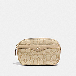 IVIE CONVERTIBLE BELT BAG IN SIGNATURE JACQUARD - F38687 - LIGHT KHAKI/BEECHWOOD/LIGHT GOLD