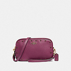 SADIE CROSSBODY CLUTCH WITH CRYSTAL RIVETS - F38931 - DARK BERRY/BRASS