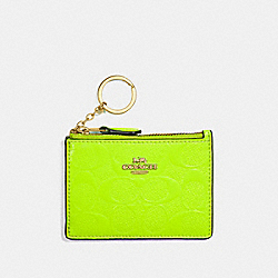 MINI SKINNY ID CASE IN SIGNATURE LEATHER - F39152 - NEON YELLOW/LIGHT GOLD