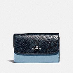 MEDIUM ENVELOPE WALLET - F39201 - CORNFLOWER/MIDNIGHT/SILVER