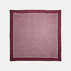 SIGNATURE CHAIN OVERSIZED SQUARE SCARF - F39417 - CLARET