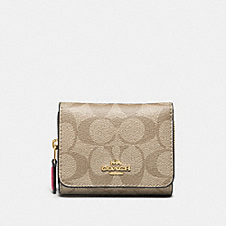 COACH F41302 - SMALL TRIFOLD WALLET IN SIGNATURE CANVAS LIGHT KHAKI/ROUGE/GOLD