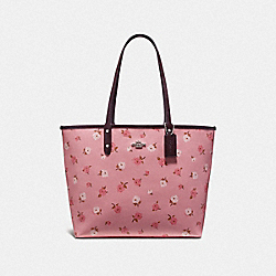 REVERSIBLE CITY TOTE WITH TOSSED PEONY PRINT - F46286 - PETAL MULTI/OXBLOOD/SILVER