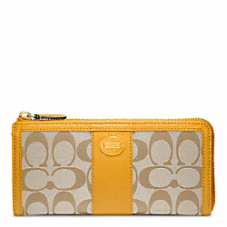COACH F48437 Signature Slim Zip BRASS/LIGHT KHAKI/MARIGOLD