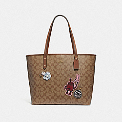 COACH F48728 Keith Haring Tote In Signature Canvas With Patches KHAKI MULTI /IMITATION GOLD