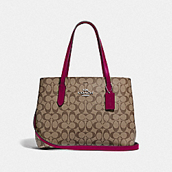 AVENUE CARRYALL IN SIGNATURE CANVAS - F48735 - SV/KHAKI DARK FUCHSIA