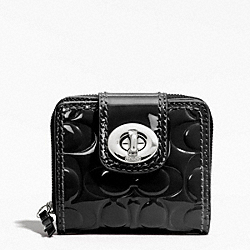TURNLOCK EMBOSSED PATENT SLIM MEDIUM WALLET - f49389 - F49389SVBK