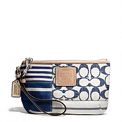 COACH F49448 Daisy Patchwork Medium Wristlet