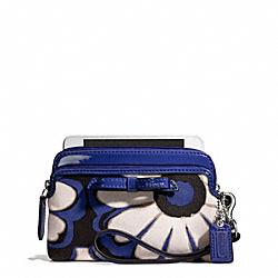 COACH F49932 Poppy Floral Scarf Print Double Zip Wristlet SILVER/BLUE/BLACK